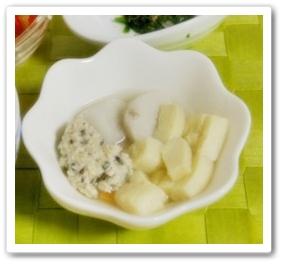 里芋と高野豆腐の煮もの